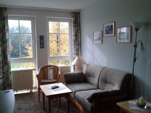 Blick in den Wohnbereich der FeWo Sellin